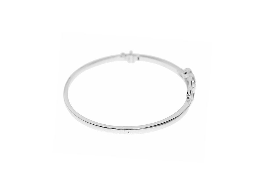 Two hearts beating as one bangle