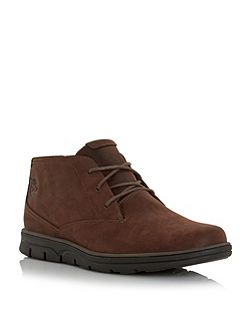 Plain toe rubber sole chukka boots