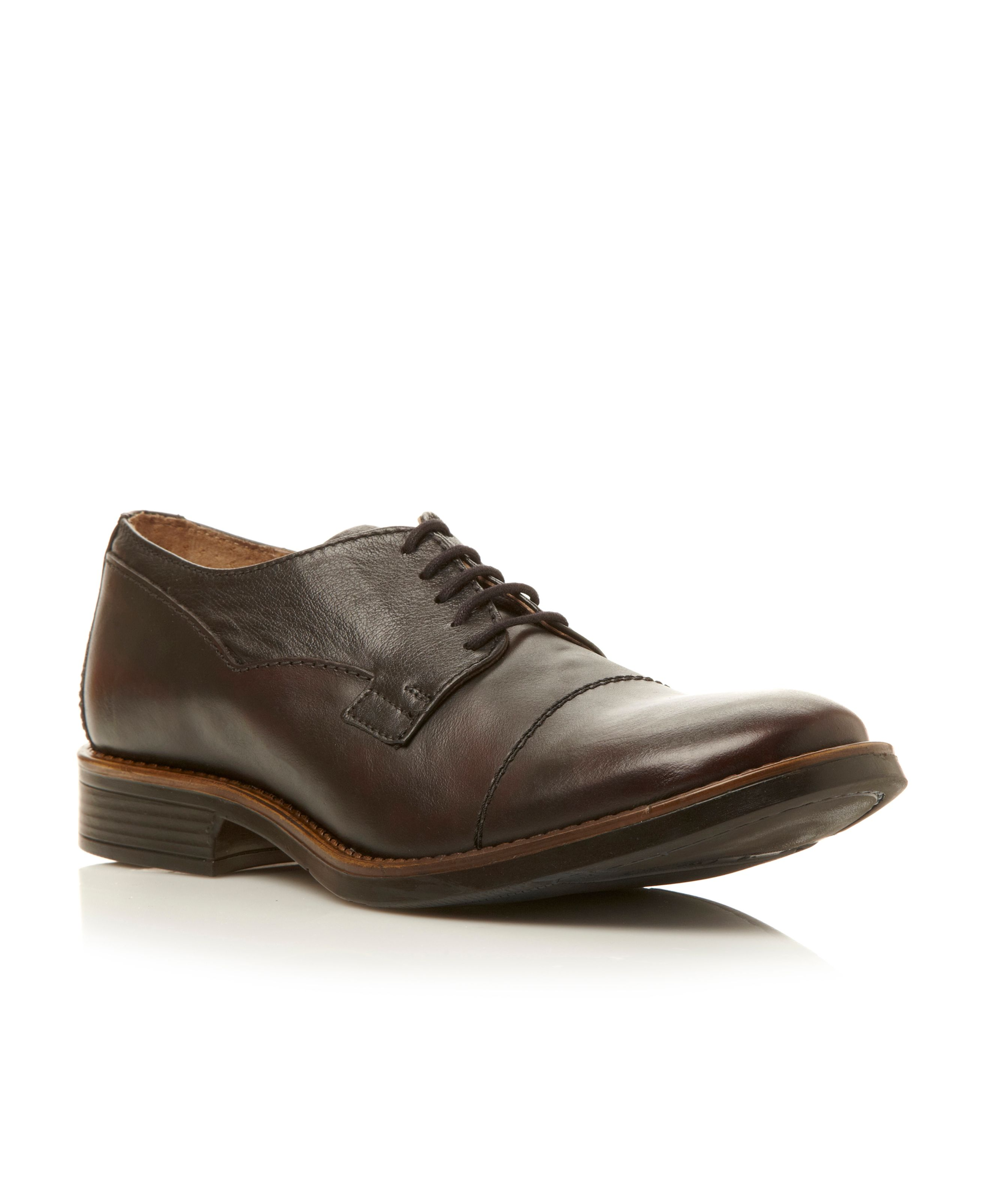 Maxwell brush off toecap lace up