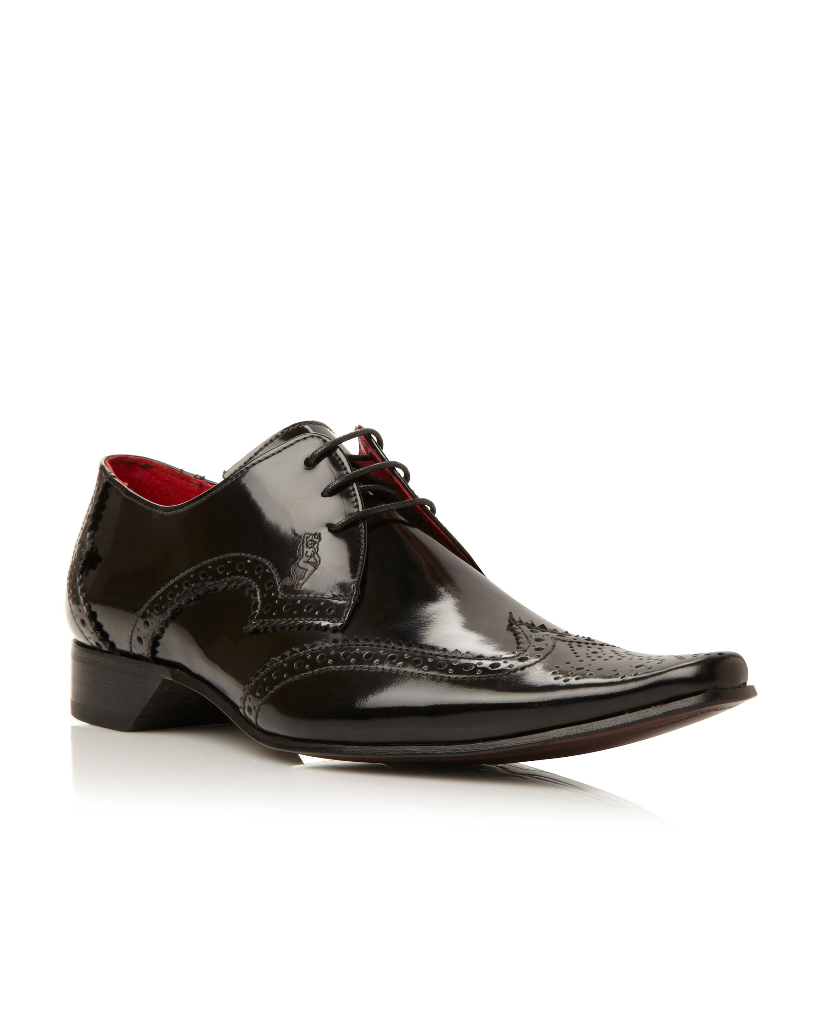 brogue wingtip point