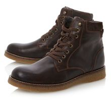 College worker wedge boot