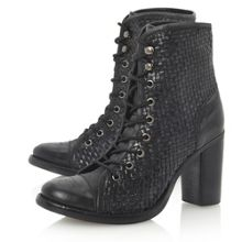 Peto lace up woven boots