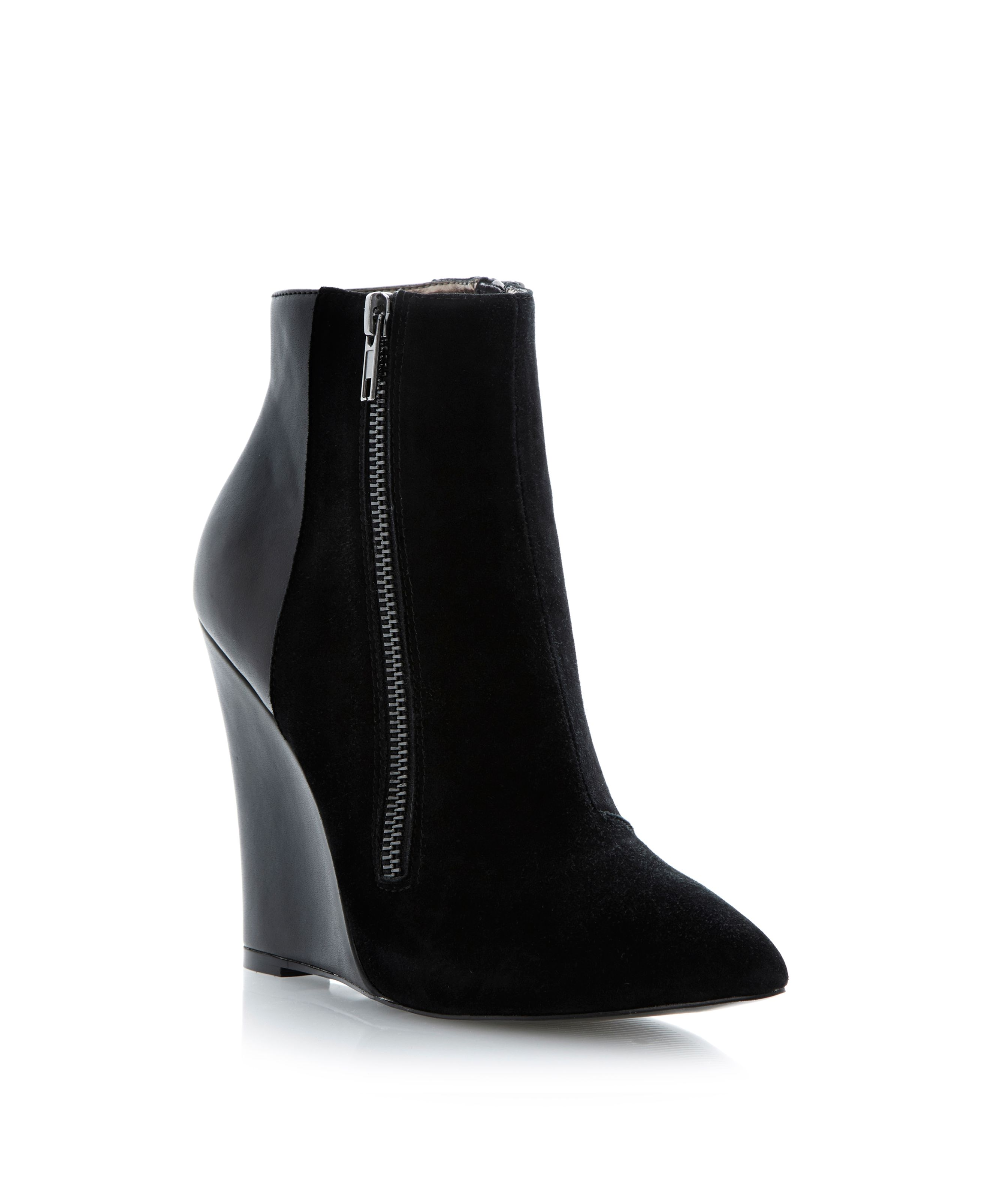 Daaring zip detail pointed toe wedge ankle boots