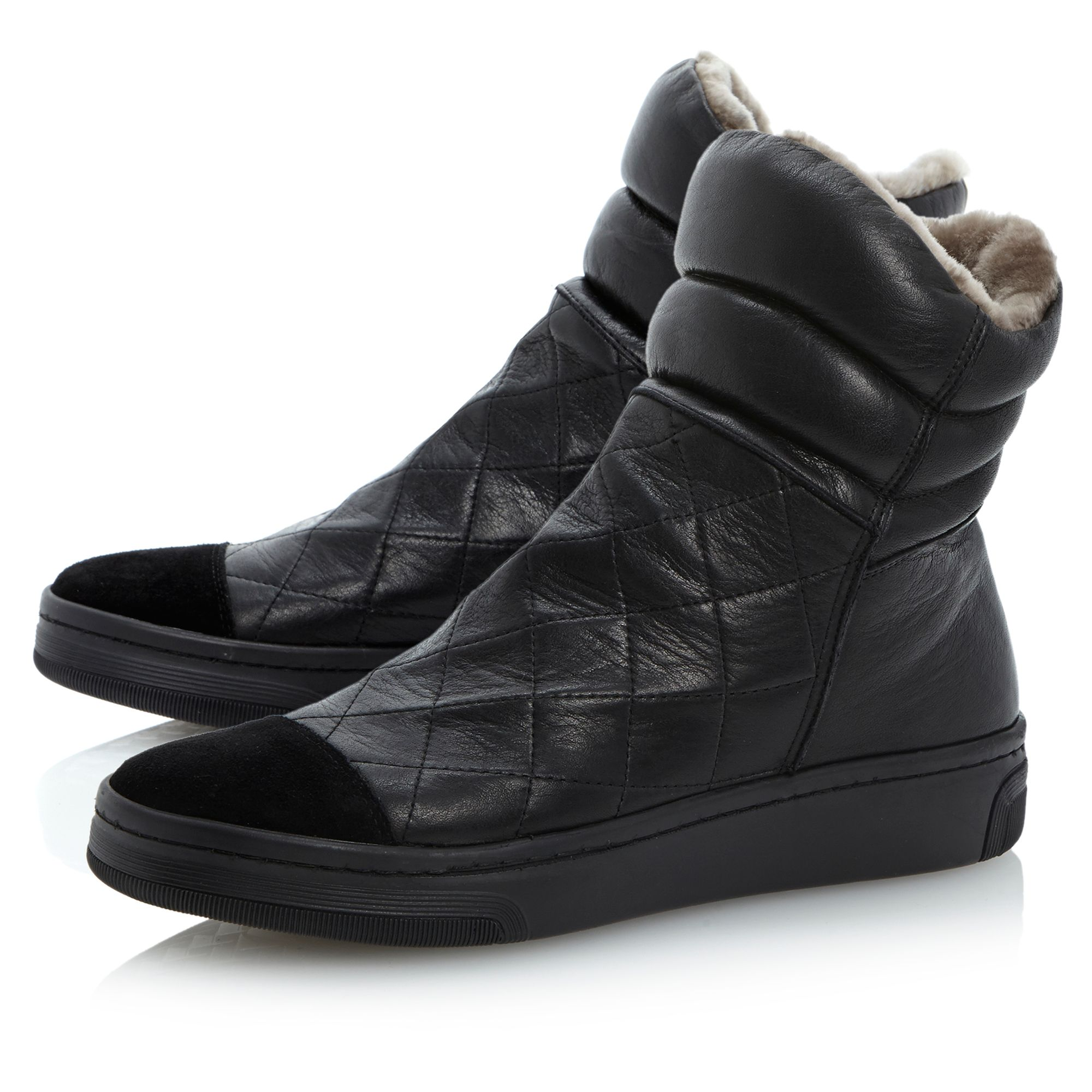 Faux fur lined quilted sport shoes