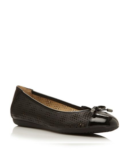 Geox Lola leather flat round toe ballerina shoes