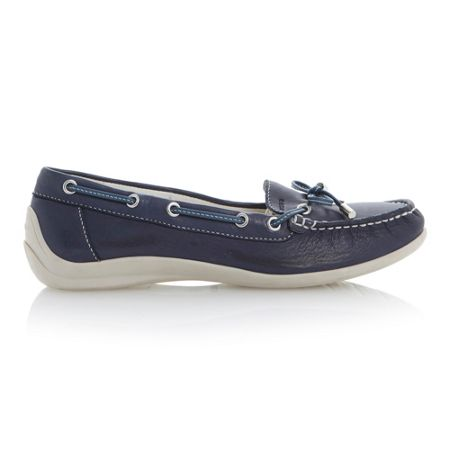 Geox Yuki velcro leather flat round toe boat shoes