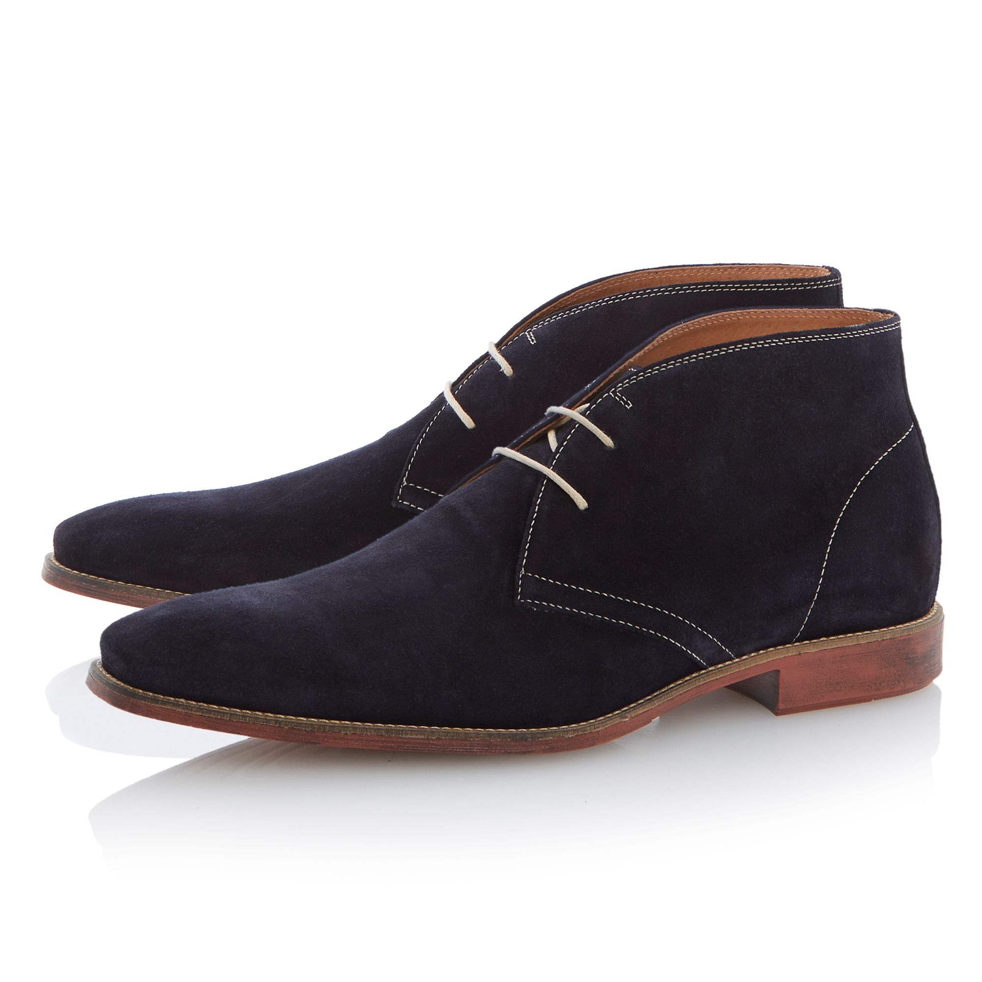 Chisel toe casual boot