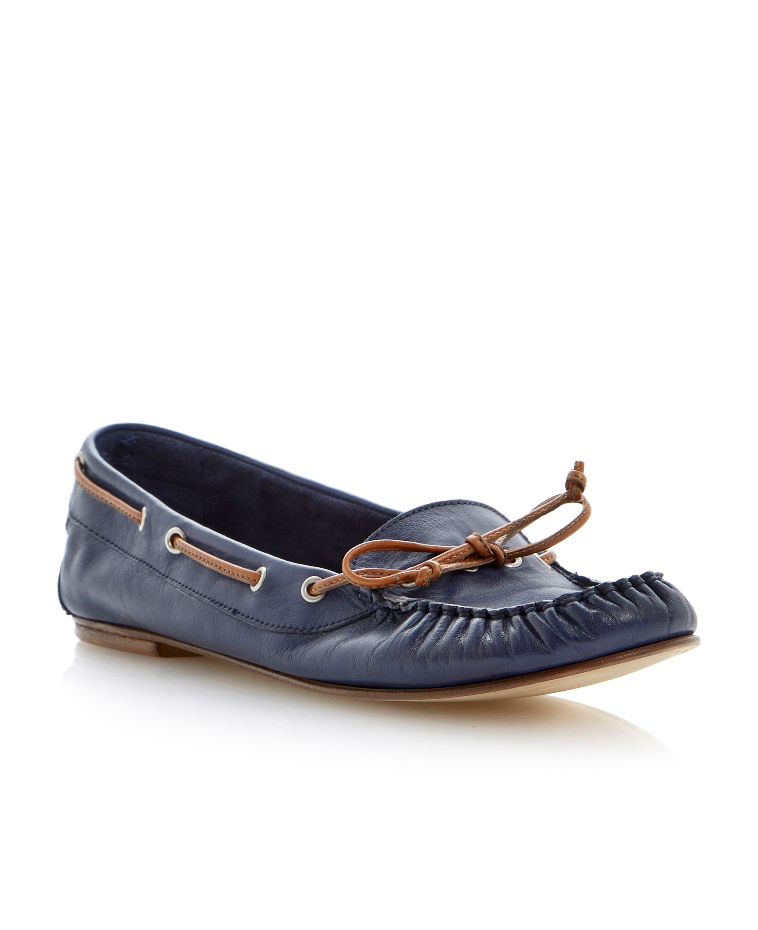 Linda leather round toe flat mocassin shoes