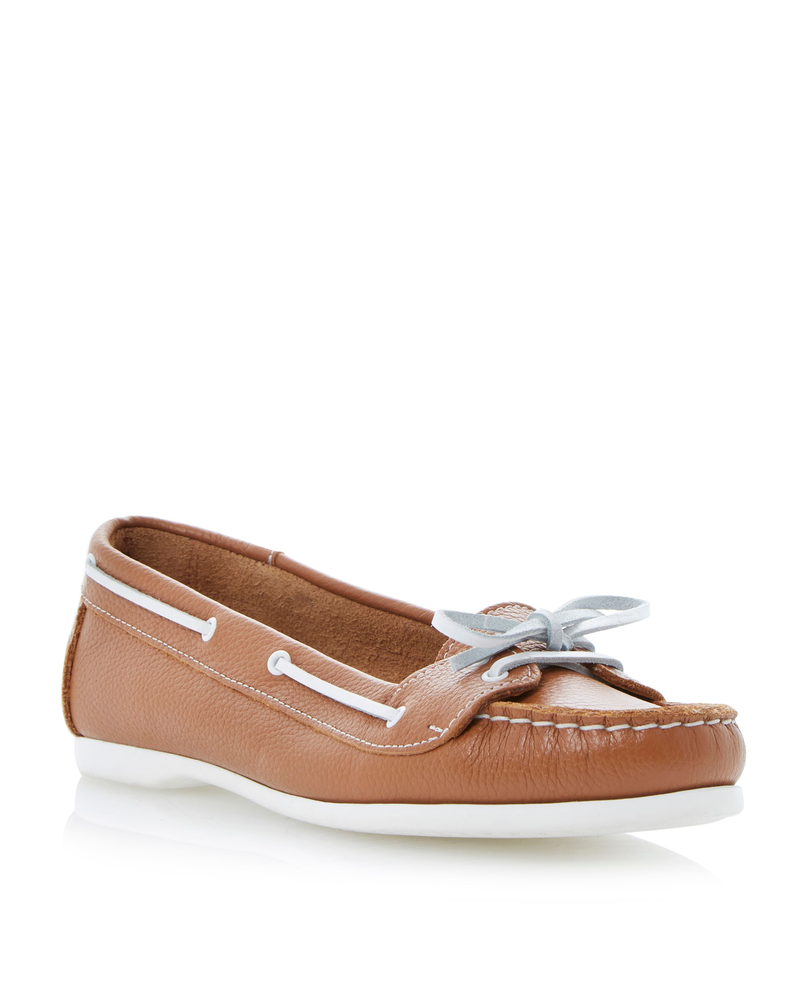 Lester leather round toe flat shoes