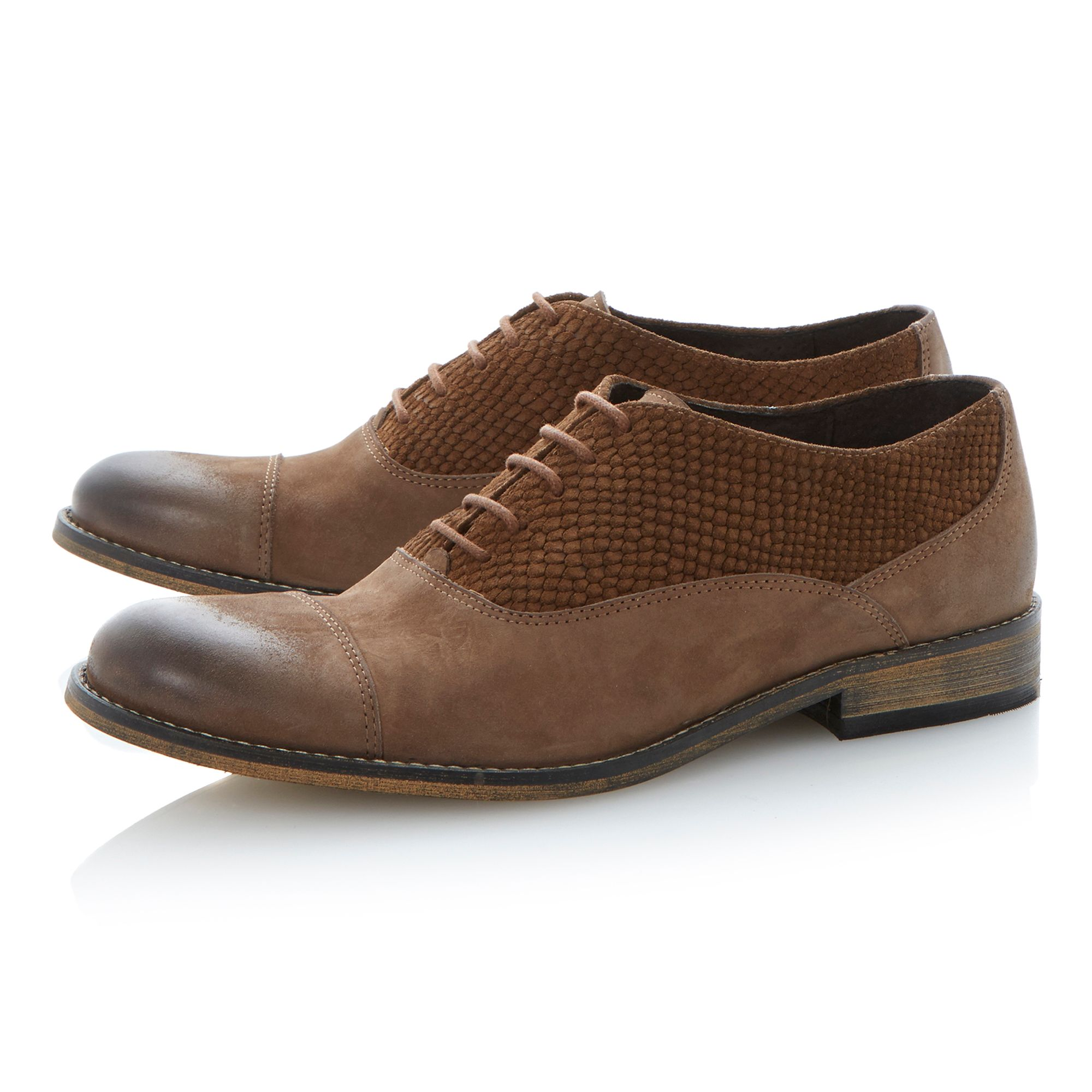 Bravado lace up textured facing toecap shoes