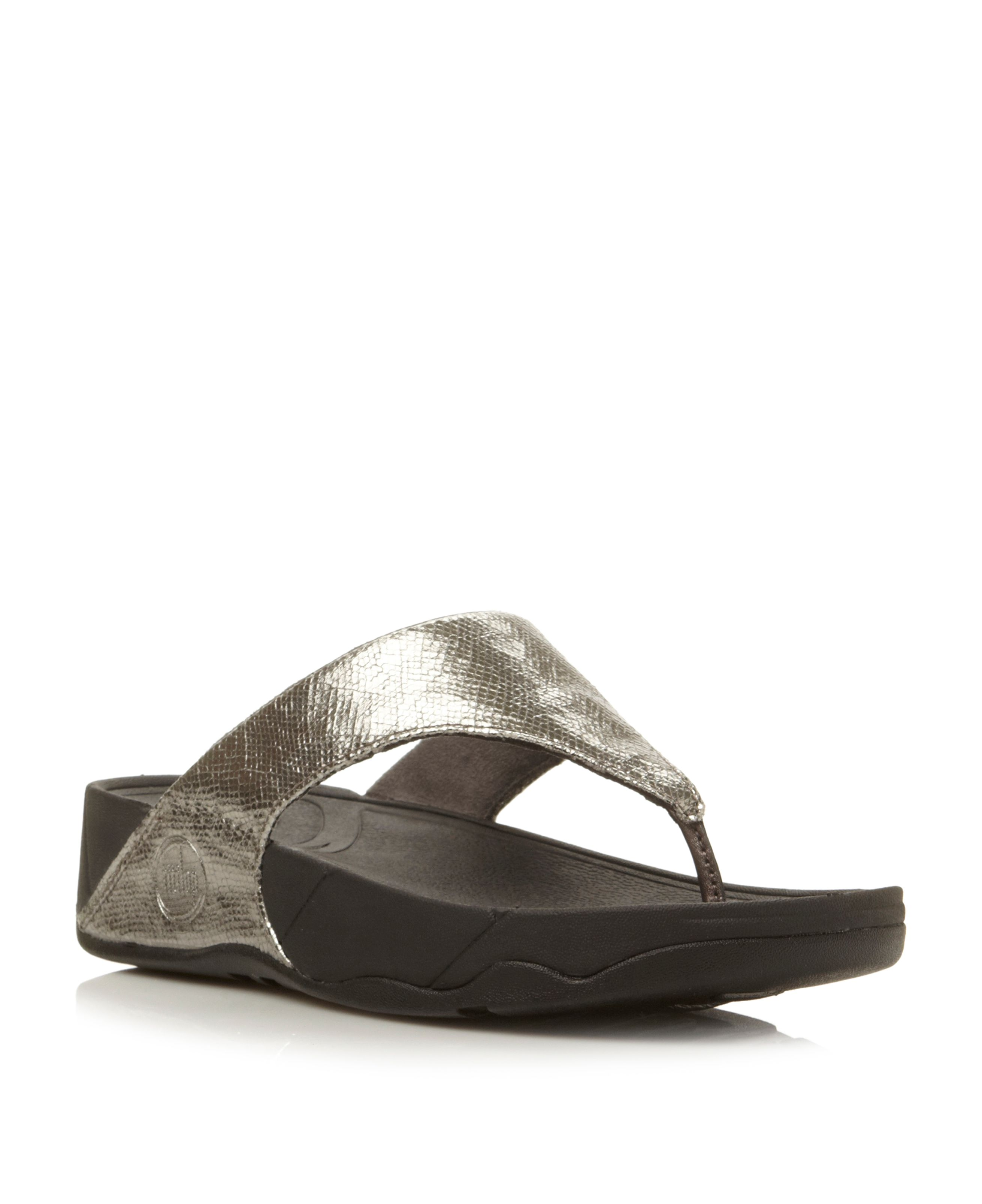 Lulu lustra crackle metallic t post wedges