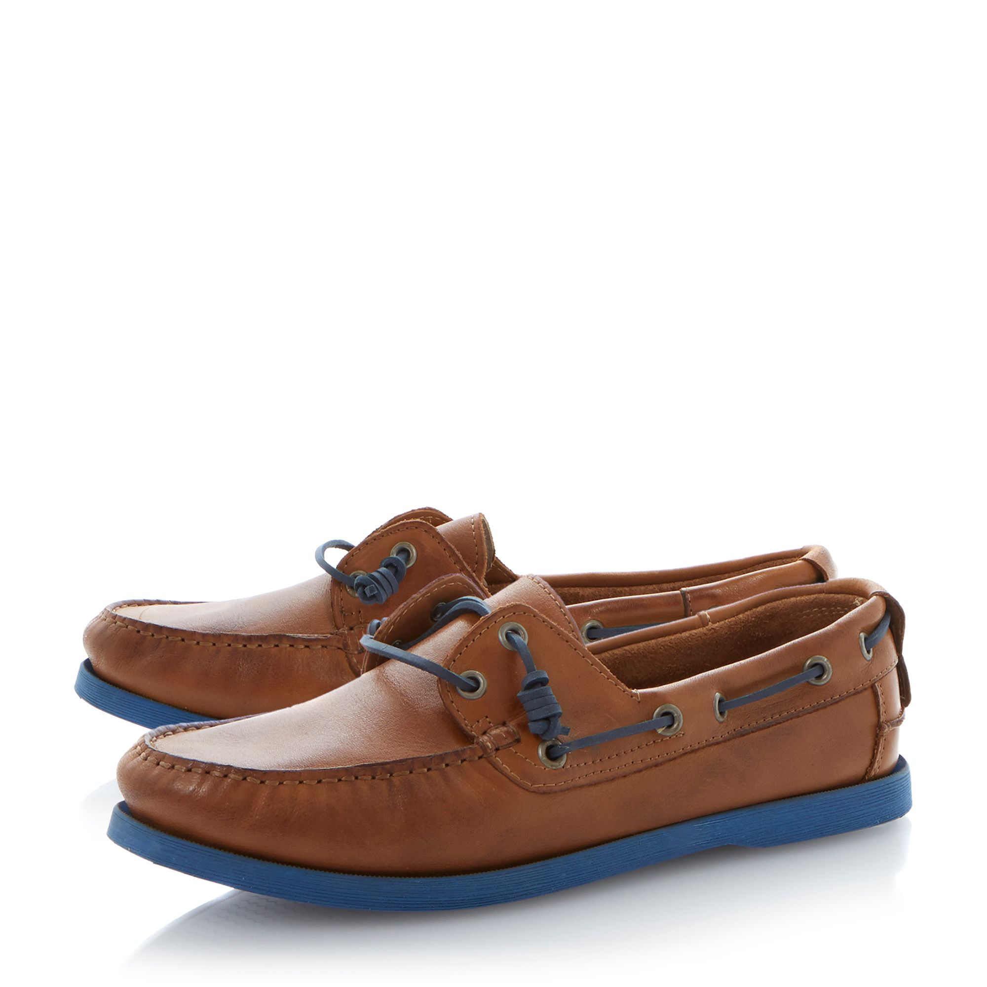 Basset coloured sole boat shoes