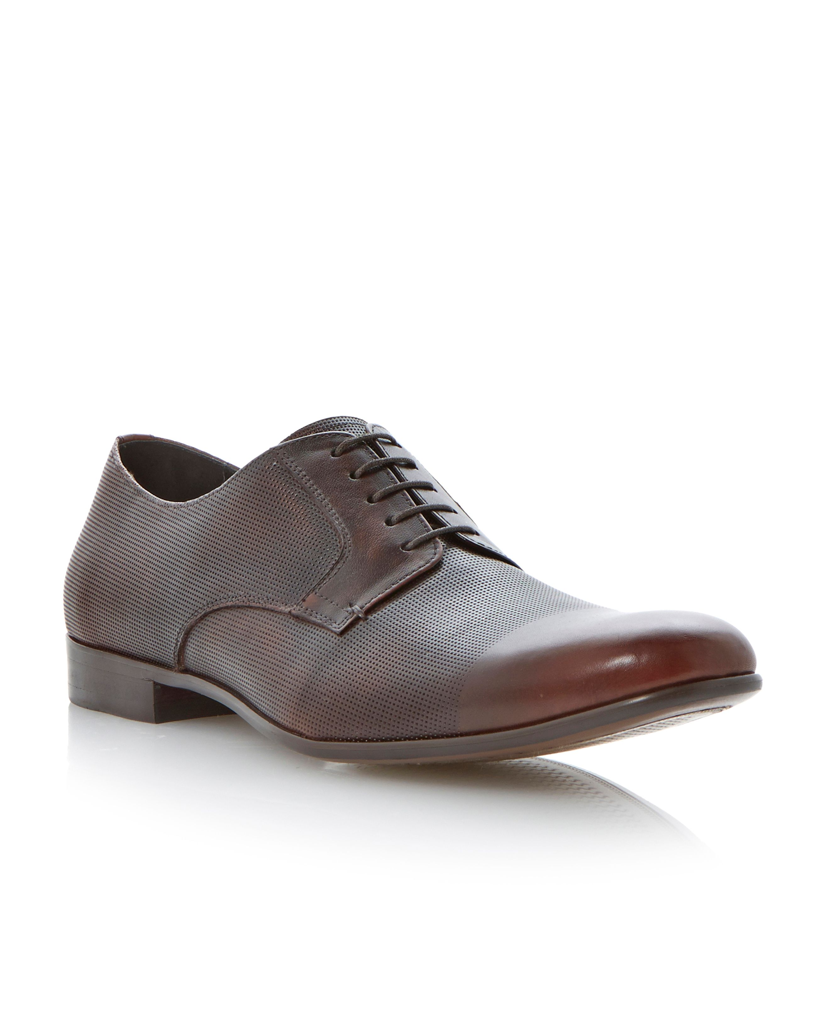 Aporation lace up round toe brogues