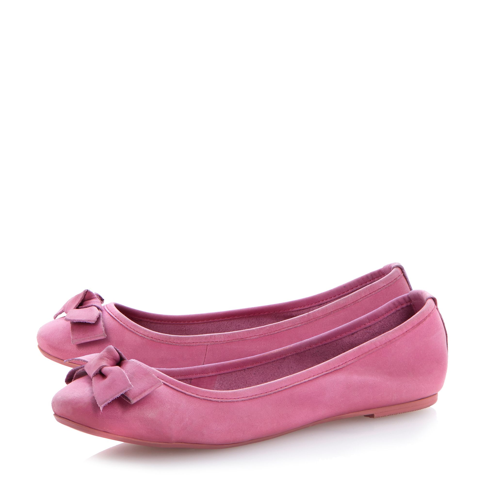 Momos dipped ballerina shoes