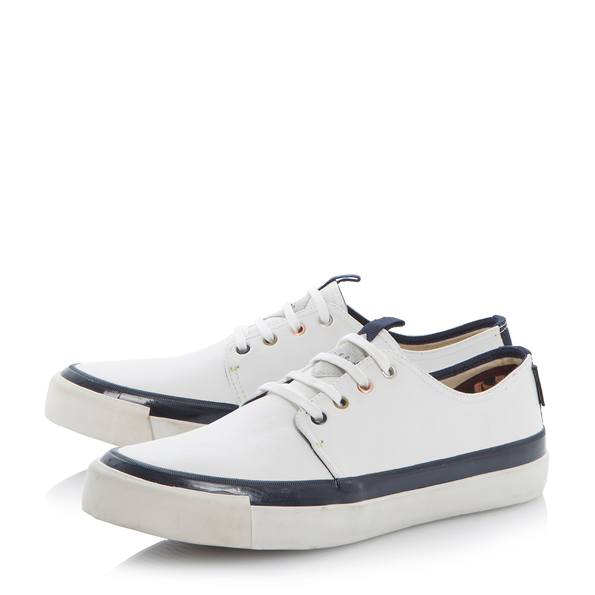 Libre vulcanised trainers