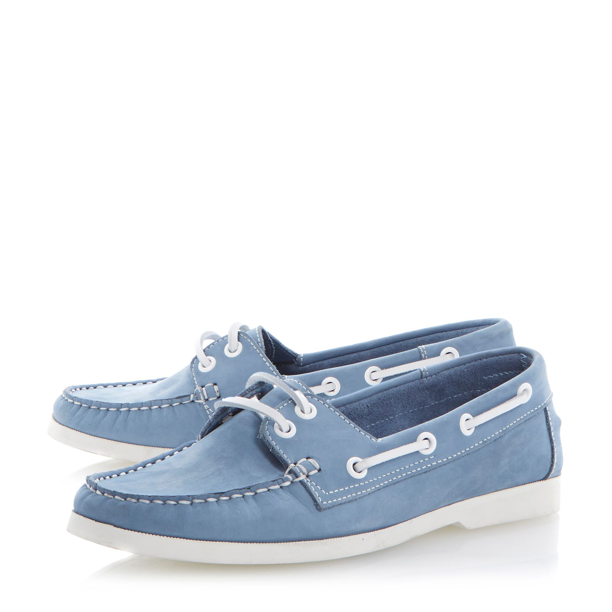 Linken round toe flat laced boat shoes