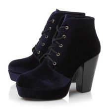Raspy leather ankle boot