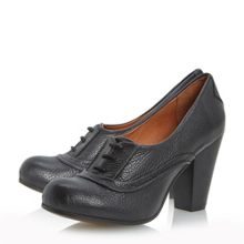 Annise Low Cut Court Shoe