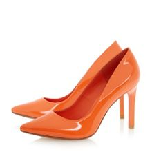 Alwen sprayed heel court shoe