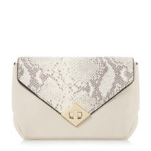 Diamond lock clutch bag