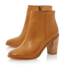 Pema clean ankle boot