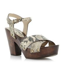 Jemm wooden heel cross vamp