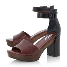 Jaunt 2 part wooden block heels