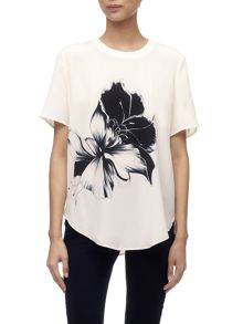 Placement floral tee