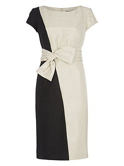 Contrasting Bow Detail Shift Dress