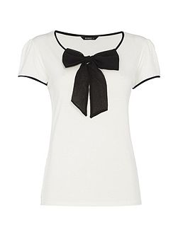 Contrast Bow Detail Top