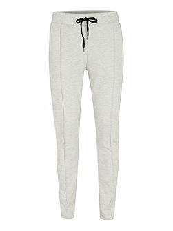 Pleated skinny fit jogger