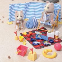 Sylvanian Families Family Day At The Seaside