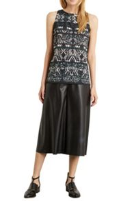Abstract Tribal Top