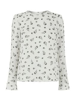 Dotty Floral Fluted Sleeve Top