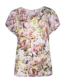 Idris window blossom t-shirt