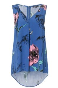 Oversize Floral Dipped Hem Top