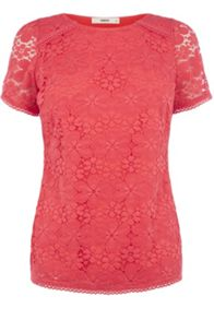 Daisy lace t shirt