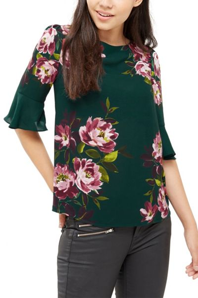 Oasis Painted Rose Fluted Sleeve Top