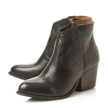 Steve Madden Sogood  western low boots