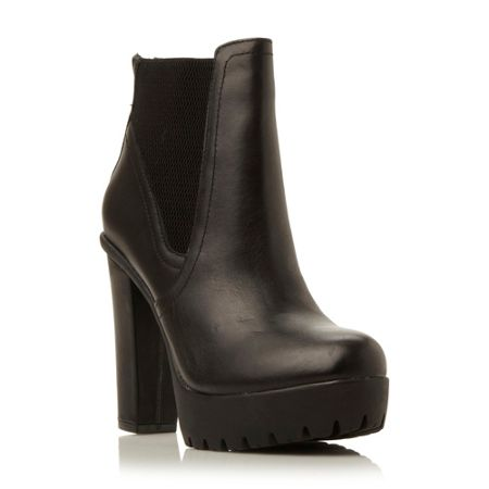 Steve Madden Amandaa  chunky cleated low boots