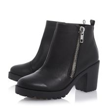 Pont side zip heeled ankle boot