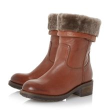 Parrie furlined round toe boots