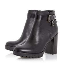 Pettle clean block heel ankle boots