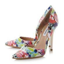 Varcityy pointed court heels