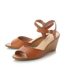 Linea Karsle wedge sandals