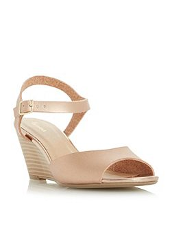 Karsle wedge sandals