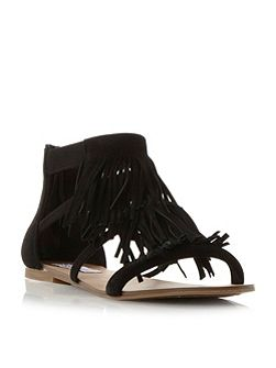 Favorit fringe flat sandals