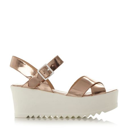 Steve Madden Simpill cross strap cleated sandals