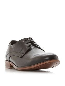 Report round toe derby shoe