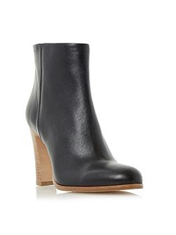 Oliva clean ankle boots